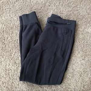 Lululemon charcoal gray sweatpants